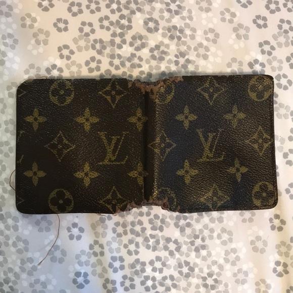 da222fcee8b1 Louis Vuitton Other - Men s Beat Up Louis Vuitton Wallet